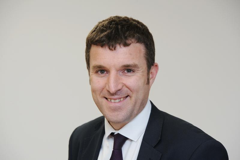 Jonathan Lewis